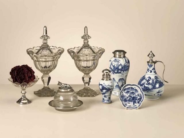 Paar kristallen geslepen gembercoupes; 19de eeuw
