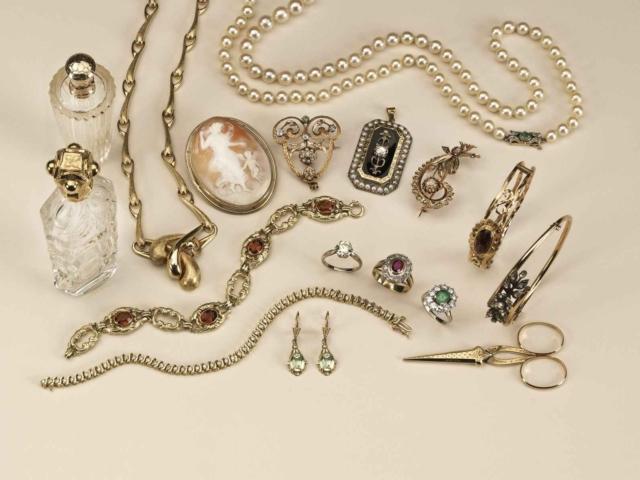 Onze sieradencollectie is zeer uitgebreid en omvat tal van bijzondere stukken