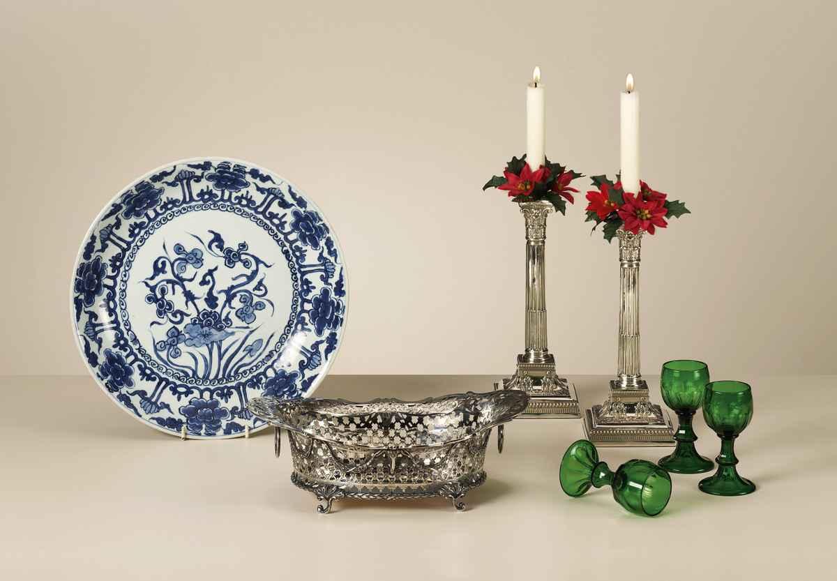 Een pracht Hollands zilveren geheel met de hand gezaagde broodmand